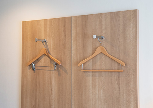 Hangers and hangers with clips
